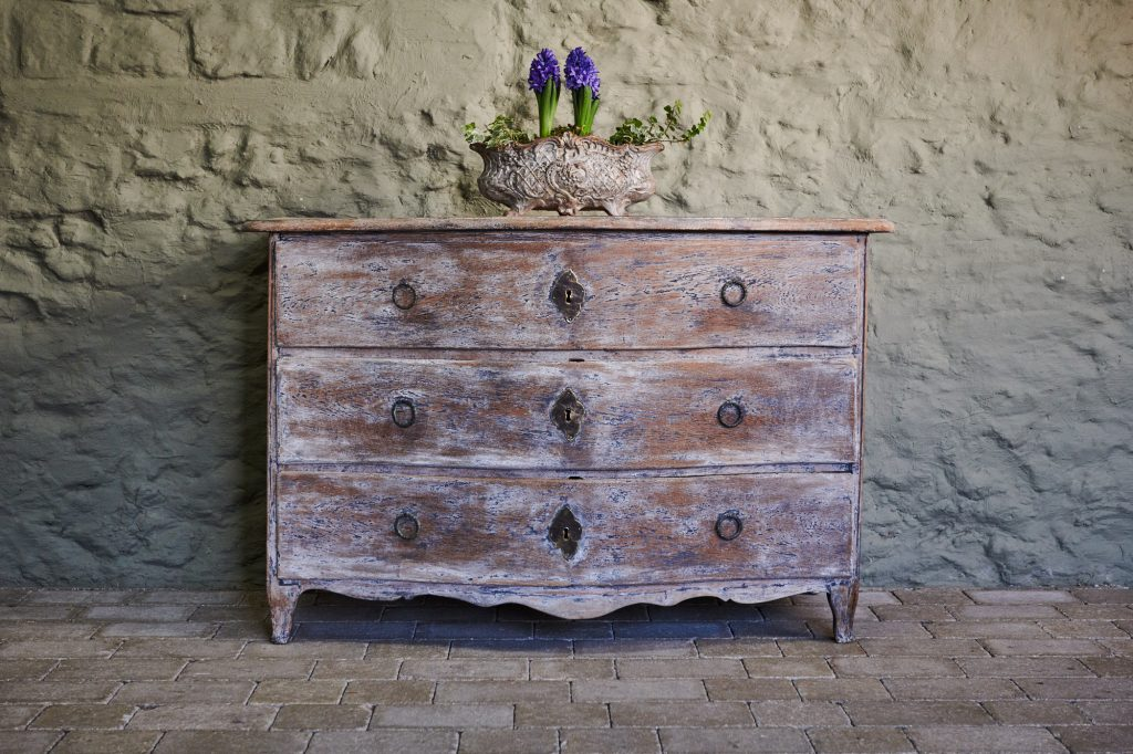 french antique chest of drawers