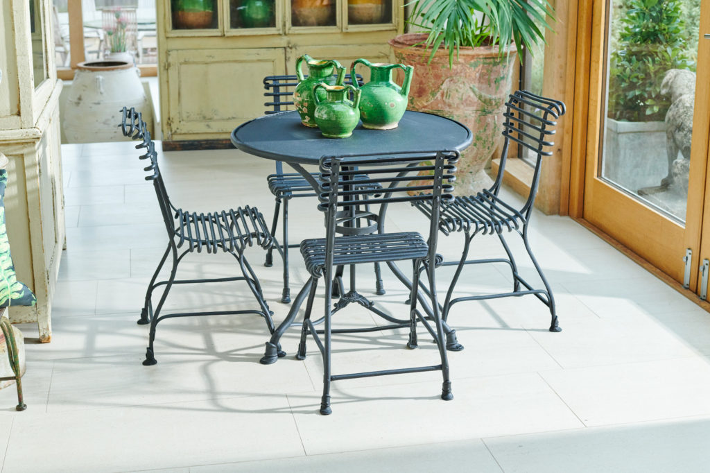 Black Arras Table and Chairs