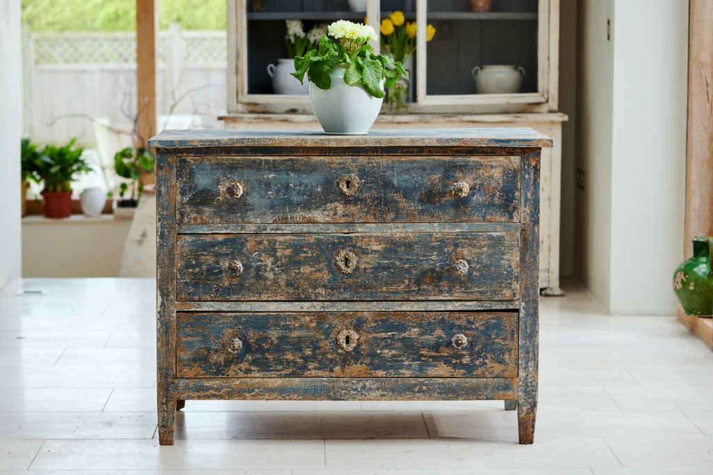 18th-century-chest-of-drawers/